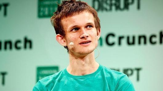 Nhà sáng lập Ethereum là Vitalik Buterin cũng lên tiếng cảnh báo về sự bất ổn của thị trường tiền ảo.