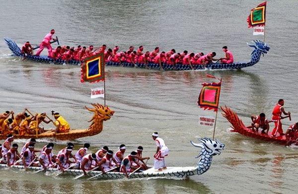 """Đây là lần đầu tiên Hà Nội tổ chức hoạt động này với hy vọng bơi chải thuyền rồng sẽ trở thành """"đặc sản"""" của Hà Nội vào mỗi dịp đầu xuân năm mới (Ảnh minh họa)."""