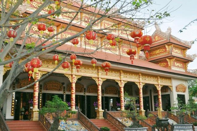 Chùa Nam Sơn mang dáng dấp những ngôi chùa cổ miền Trung