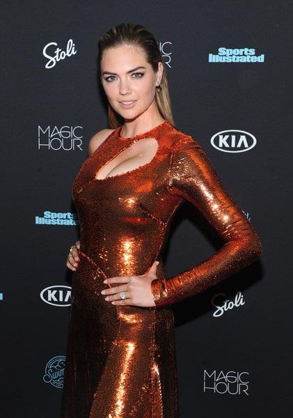 Kate Upton là một trong những siêu mẫu áo tắm hàng đầu thế giới. Năm 2013, tạp chí Askmen đưa cô vào vị trí thứ 3 trong Top 99 phụ nữ được khao khát nhất thế giới