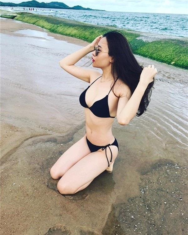 Vóc dáng nóng bỏng của người đẹp xứ Lạng khi diện trang phục bikini.