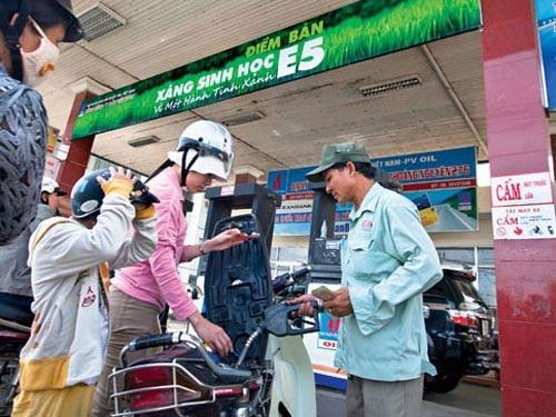 Bộ Tài chính muốn tăng thuế môi trường xăng dầu lên kịch khung