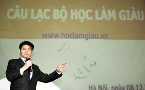 Bị can Phạm Thanh Hải với danh xưng tiến sĩ dạy làm giàu