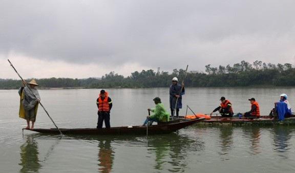 Thi thể nạn nhân được tìm thấy cách nơi nhảy sông tự vẫn gần 3km.