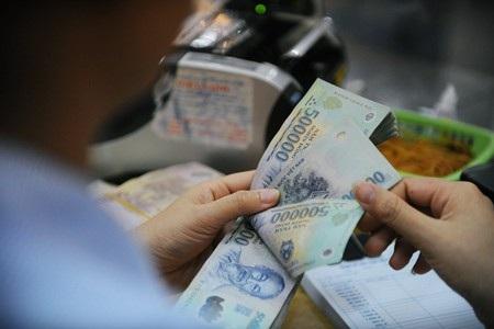 Sau vụ việc khách hàng gửi tiết kiệm tại Eximbank bị mất 245 tỷ đồng, Ngân hàng Nhà nước đã có văn bản gửi các tổ chức tín dụng, yêu cầu nghiêm túc triển khai, thực hiện việc đảm bảo an toàn giao dịch tiền gửi của khách hàng.