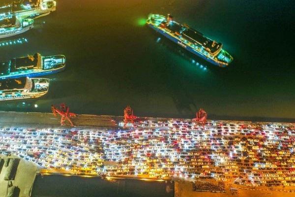 Choáng với cảnh tắc đường khủng khiếp tại Trung Quốc sau kỳ nghỉ Tết - 10