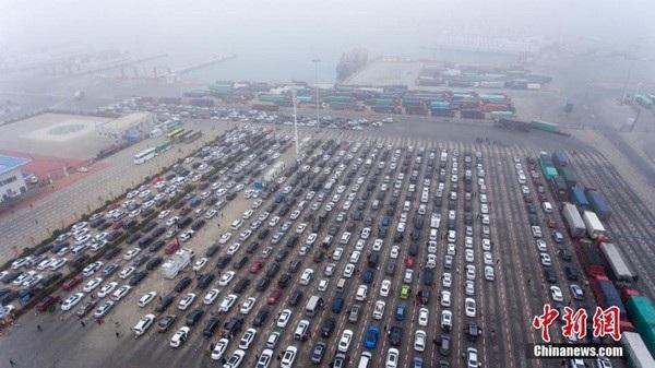 Choáng với cảnh tắc đường khủng khiếp tại Trung Quốc sau kỳ nghỉ Tết - 4