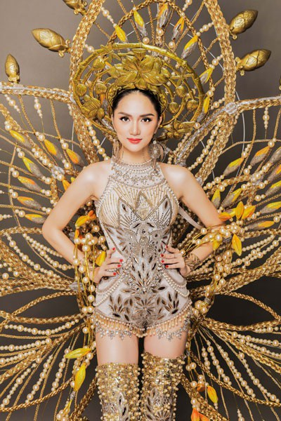 Hương Giang Idol tuyệt đẹp trong trang phục dân tộc độc đáo - 3