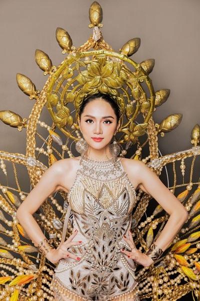 Hương Giang Idol tuyệt đẹp trong trang phục dân tộc độc đáo - 5