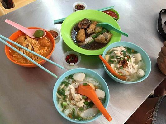 Món phở có vị hơi chua và món ăn sáng nấu với cá đúng kiểu Malaysia.