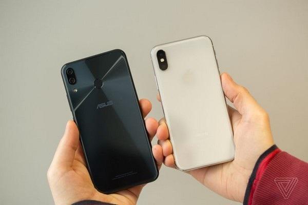 So sánh mặt trước và mặt sau của Zenfone 5Z với iPhone X