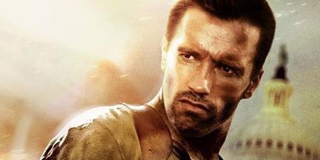 """Arnold Schwarzenegger mới chính là sao nam đầu tiên được mời vào vai viên cảnh sát John McClane trong """"Die hard"""". Tuy nhiên, do kẻ phản diện trong """"Die hard"""" nói chất giọng Đức giống với Schwarzenegger nên nam tài tử cho rằng mình không thực sự phù hợp với bộ phim. Và Sylvester Stallone, Harrison Ford, Don Johnson đã lần lượt được nhà sản xuất cất nhắc trước khi vai diễn John McClane về tay Bruce Willis, ngôi sao lúc bấy giờ vẫn đang nổi tiếng với các vai hài hước."""