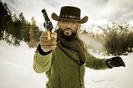 """Will Smith có vẻ là một ngôi sao """"vô duyên"""" với nhiều bộ phim đình đám, trong đó có cả """"Django unchained"""". Tuy Will Smith đã """"gật đầu"""" đóng vai chính Django nhưng nam tài tử lại muốn sửa kịch bản theo ý mình và bị biên kịch từ chối. Do đó, cơ hội này đã được bỏ ngỏ cho Idris Elba, Chris Tucker, Terrence Howard, Michael Kenneth Williams và cả Tyrese Gibson trước khi chính thức về tay Jamie Foxx."""
