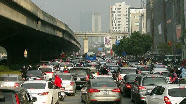 Những năm gần đây đường Vành đai 3 thường xuyên bị ùn tắc nghiêm trọng tại nút giao Nguyễn Xiển - Khuất Duy Tiến - Nguyễn Trãi