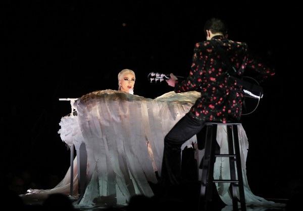 10 buổi diễn của Lady Gaga lẽ ra sẽ diễn ra trong vài tuần tới tại Đan Mạch, Pháp, Bỉ, Ý...