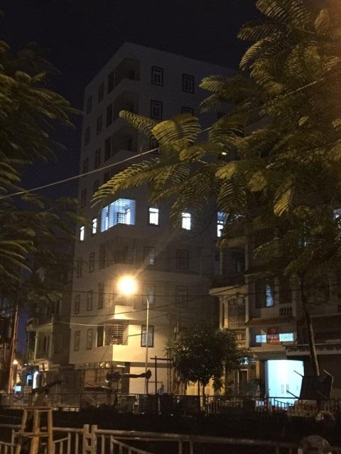 Công trình chung cư minisố 119 ngõ 12, phố Phan Đình Giót, phường Phương Liệt (Thanh Xuân) xây dựng sai phép, đã bị yêu cầu đình chỉ, không cho phép mua bán… nhưng vẫn đang giao dịch rầm rộ trên thị trường.