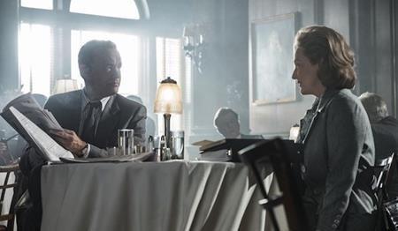 """Bộ phim """"The post"""" năm nay có vẻ phải chịu rất nhiều thiệt thòi khi ngoài đạo diễn Steven Spielberg thì Tom Hanks cũng không có cơ hội tranh tài ở hạng mục nam chính xuất sắc nhất. Dù vậy, nữ chính Meryl Streep đã có thêm một đề cử Oscar và đây đã là đề cử Oscar thứ 21 trong sự nghiệp của huyền thoại điện ảnh."""