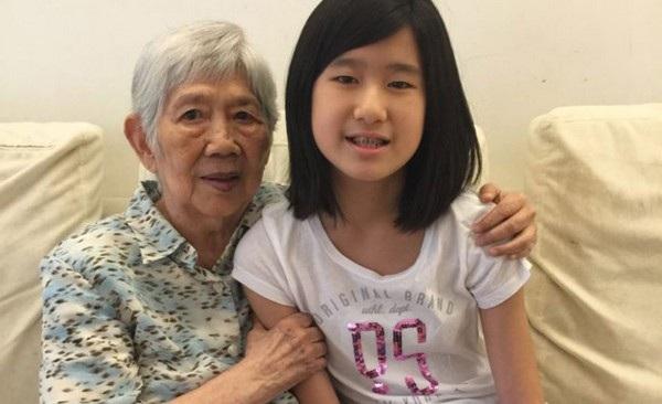 Cô bé Emma Yang và người bà mắc chứng Alzheimer của mình