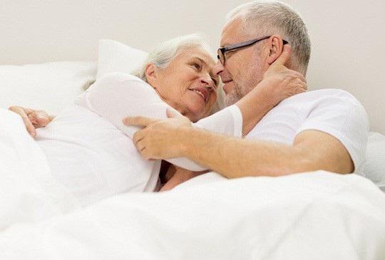 Chuyện yêu thăng hoa nhất khi qua tuổi 60, miễn là bạn sống lành mạnh và giữ gìn được sức khỏe - ảnh minh họa từ Internet