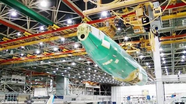 Theo Boeing, những tiến bộ về khoa học kỹ thuật đã mang lại những thống số vận hành ấn tượng hơn hẳn các phiên bản tiền nhiệm trong khi giảm tới 18% nhiên liệu tiêu thụ cho mỗi ghế ngồi trên máy bay. Boeing cũng nhấn mạnh đây là máy bay thương mại bán chạy nhất trong lịch sử của hãng chế tạo này với hơn 4.300 đơn đặt hàng từ 92 quốc gia. (Ảnh: Boeing)