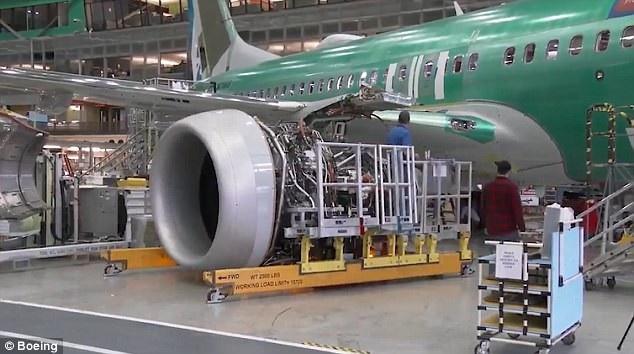 Phiên bản bay thử của Max 7 sẽ được kiểm tra kỹ lưỡng về mặt hệ thống, động cơ, kỹ thuật ở đường bay của nhà máy Renton và nó sẽ bước vào quá trình thử nghiệm chính thức trong vài tuần tới. Dự kiến, Max 7 sẽ đi vào hoạt động vào năm 2019 sau khi đơn đặt hàng cho hãng Southwest Airlines được bàn giao. (Ảnh: Boeing)