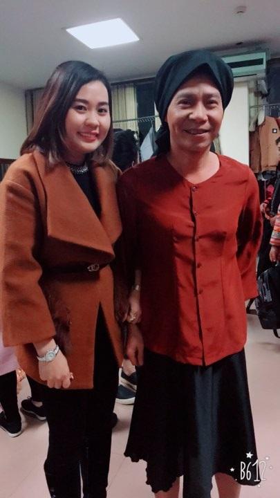 Kim Oanh cũng thân thiết với danh hài Công Lý. Cô chia sẻ được anh chỉ dạy về diễn xuất rất nhiều.