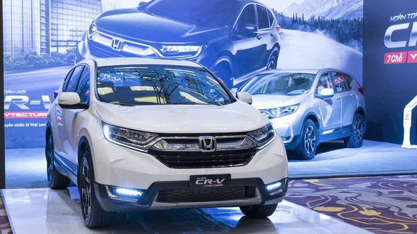 Honda Việt Nam đã nhanh tay chuyển mẫu xe CR-V từ lắp ráp trong nước sang nhập khẩu từ Thái Lan để hưởng thuế 0% song lại đang gặp khó bởi quy định mới.