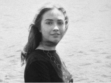 Ai mà có thể ngờ được rằng, cô gái 20 tuổi xinh đẹp, ngọt ngào này chính là Hillary Clinton, người đã hai lần chạy đua vào Nhà Trắng