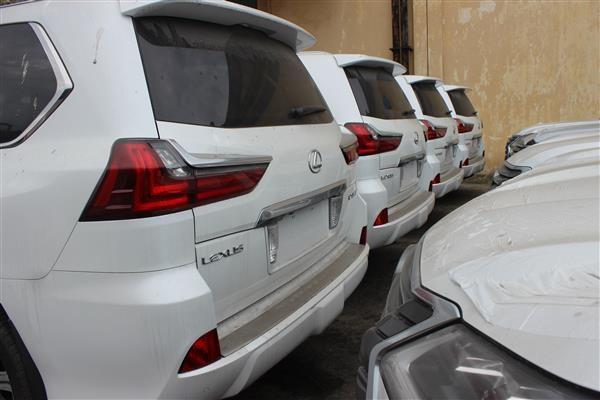 Xe nhập khẩu tại cảng Đà Nẵng. Ảnh: Ngọc Linh