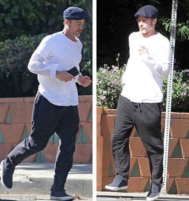 Brad Pitt cũng rời đi sau khi hai người đàn ông có xe bị xây xát đã rời đi.
