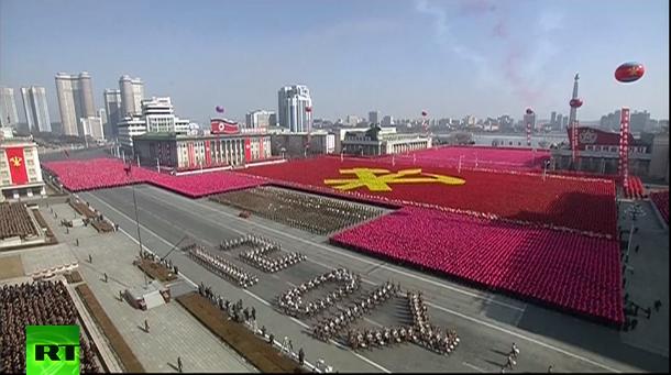 Tên lửa, xe tăng xuất hiện trong lễ duyệt binh của Triều Tiên - 12