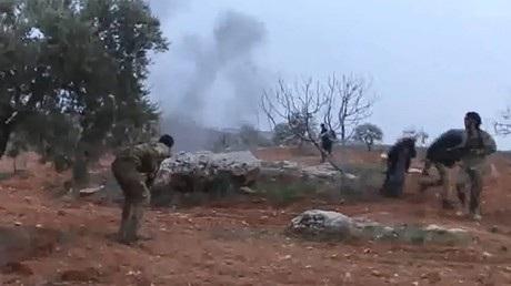 Phi công Su-25 của Nga đã đối mặt với phiến quân ở Syria trước khi dùng lựu đạn tự sát để không bị bắt sống. (Ảnh: RT)