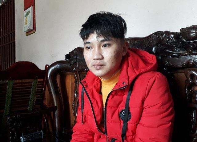 Em Lê Ngọc Vương - người cũng lao xuống cứu 3 mẹ con chị Loan kể lại sự việc.