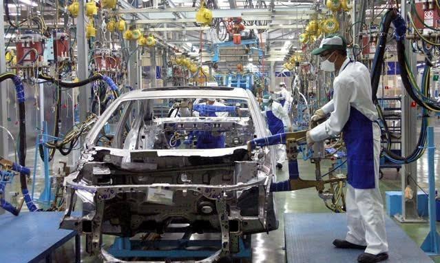 """Bộ Công Thương muốn thêm """"ưu ái"""" cho ô tô nội, siết chặt xe nhập khẩu. (Ảnh minh hoạ)"""
