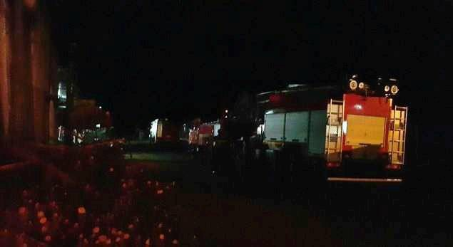Ngay sau khi vụ nổ xảy ra, nhiều xe cứu hỏa đã được huy động tới hiện trường.