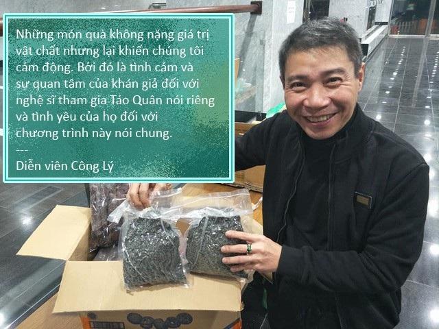 Xem thêm: Nghệ sĩ đóng Táo Quân bất ngờ nhận được quà của khán giả giữa đêm khuya