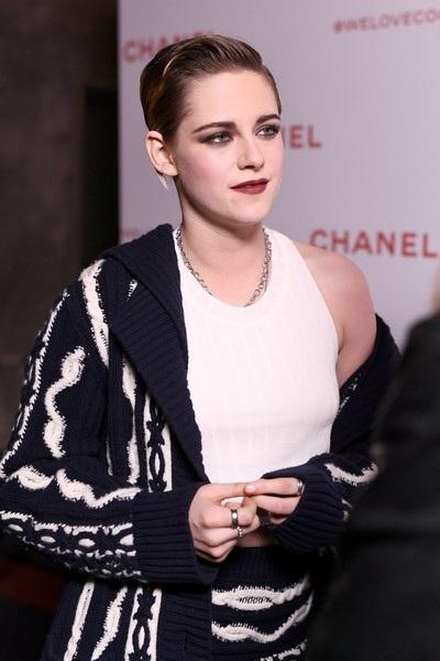 Kristen vừa ra mắt phim mới Lizzie