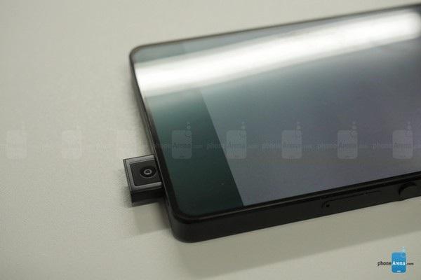 Smartphone không viền màn hình với thiết kế camera trước cực độc - 2