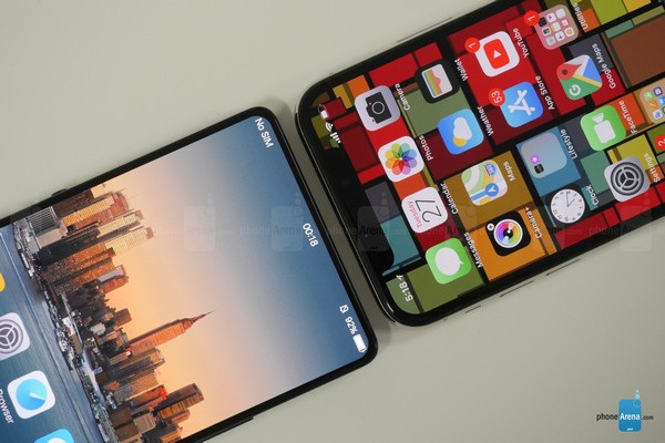 """Apex không có phần """"tai thỏ"""" để chứa camera trước như trên iPhone X"""