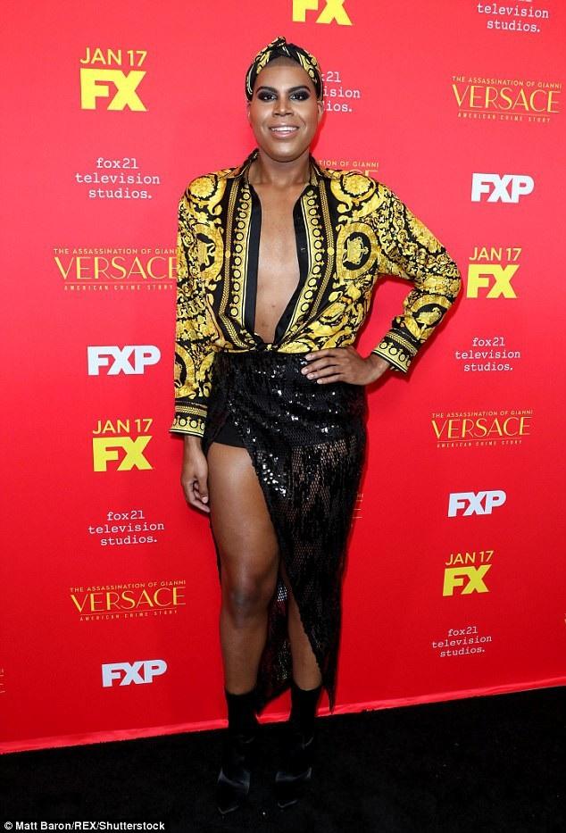 Cách đây ít ngày, EJ Johnson diện trang phục Versace sành điệu dự một buổi ra mắt phim tại Mỹ