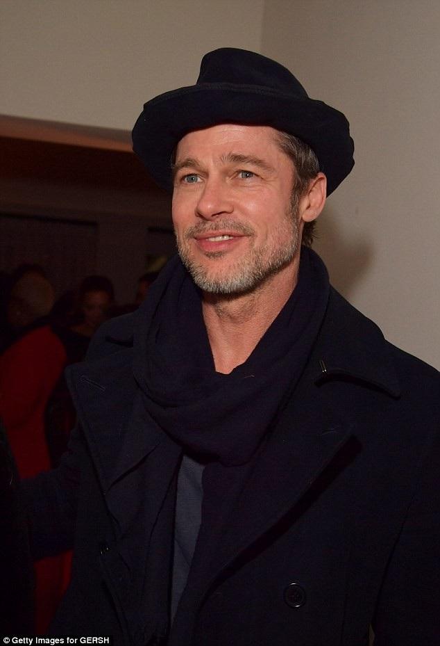 Một nguồn tin cho hay, Brad Pitt đã trờ thành chỗ dựa của Jennifer suốt quãng thời gian khó khăn này.