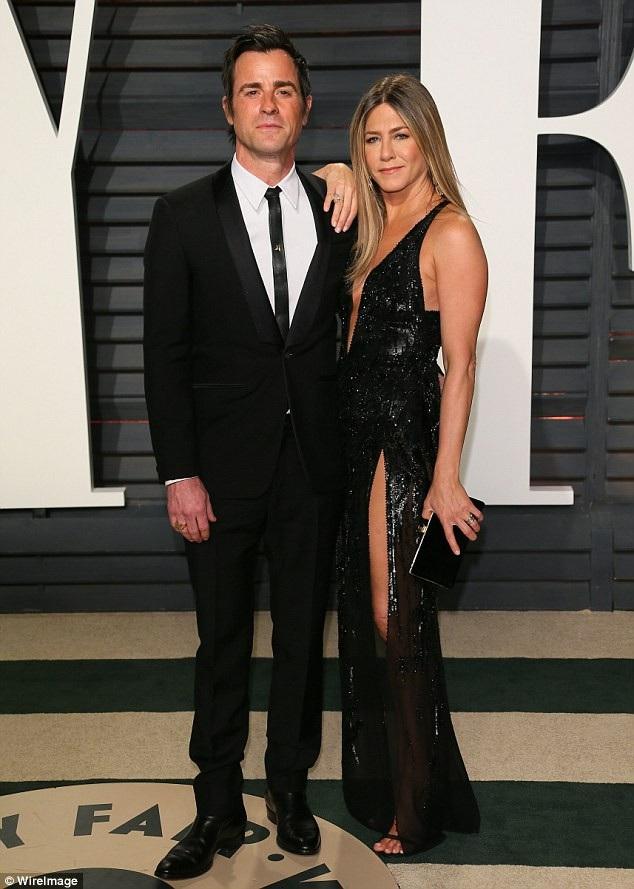 Jennifer Aniston - vợ cũ của Brad Pitt cũng mới chia tay chồng, Justin Theroux sau 2 năm kết hôn.