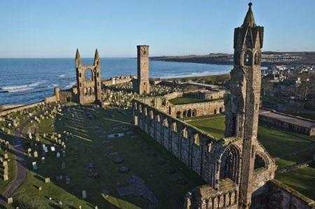 Đại học St. Andrews hạng 2 Anh Quốc tham gia Triển lãm Du học 50 trường eduFairUK - 1