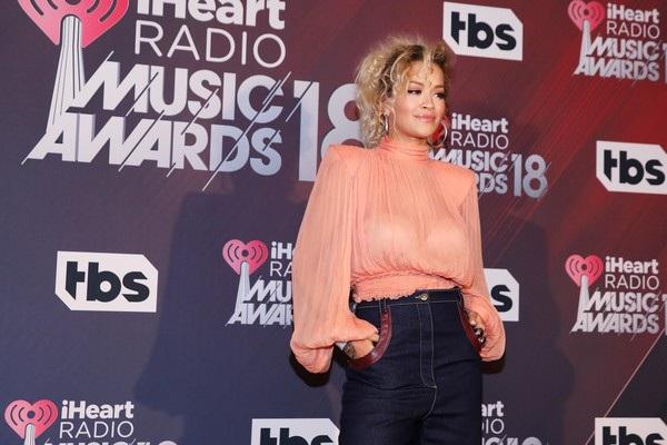 Ca sỹ người Anh Rita Ora
