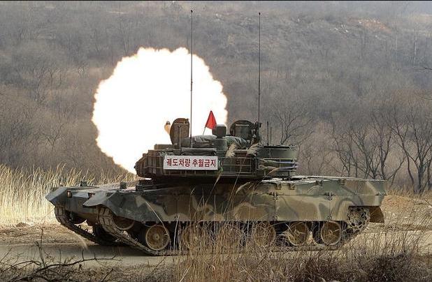 Xe tăng chiến đấu K2 của Hàn Quốc tập trận năm 2015. (Ảnh: Getty)