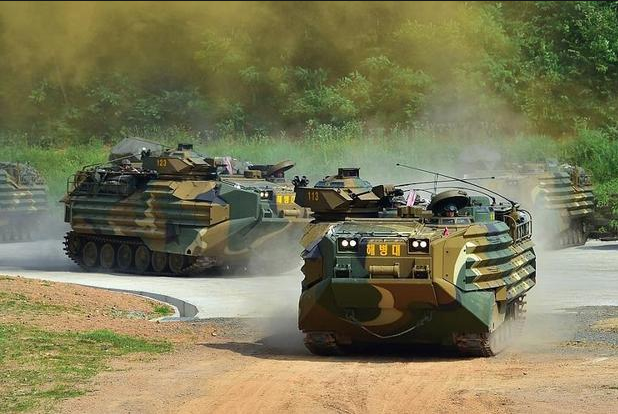 Phương tiện tấn công đổ bộ của lính thủy đánh bộ Hàn Quốc. (Ảnh: AFP)