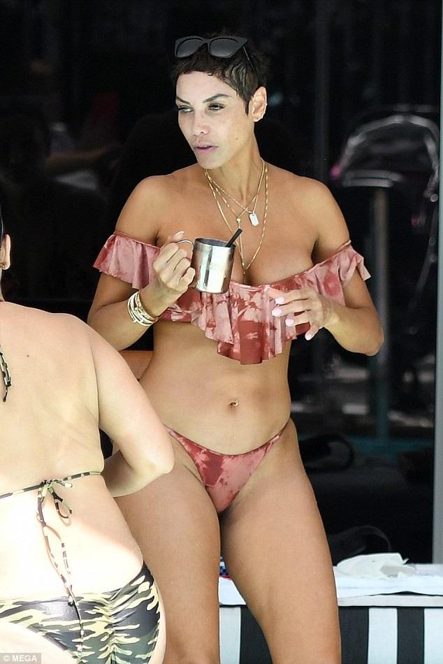 Nicole Murphy từng là người mẫu khá đình đám, tuy nhiên cô được biết tới nhiều nhất với vai trò vợ nam diễn viên Eddie Murphy