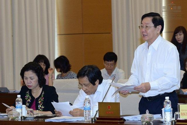 Bộ trưởng Nội vụ Lê Vĩnh Tân khẳng định quy định Thủ tướng bổ nhiệm ủy viên UB Cạnh tranh Quốc gia không trái luật nhưng lãnh đạo Quốc hội nhận định, vấn đề này cần bàn thêm