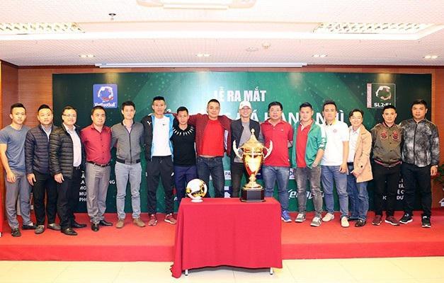 Đại diện 15 đội bóng tham dự giải bóng đá phong trào hạng Nhì lần 1 năm 2018