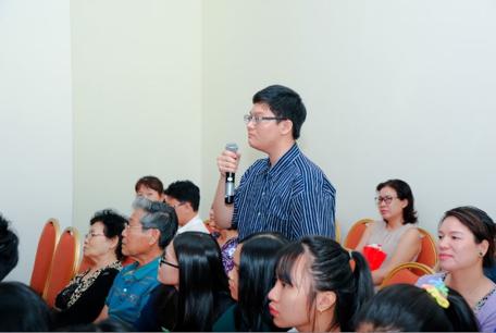 Phụ huynh quan tâm và đặt nhiều câu hỏi trong Hội thảo: Hành trang du học từ A – Z